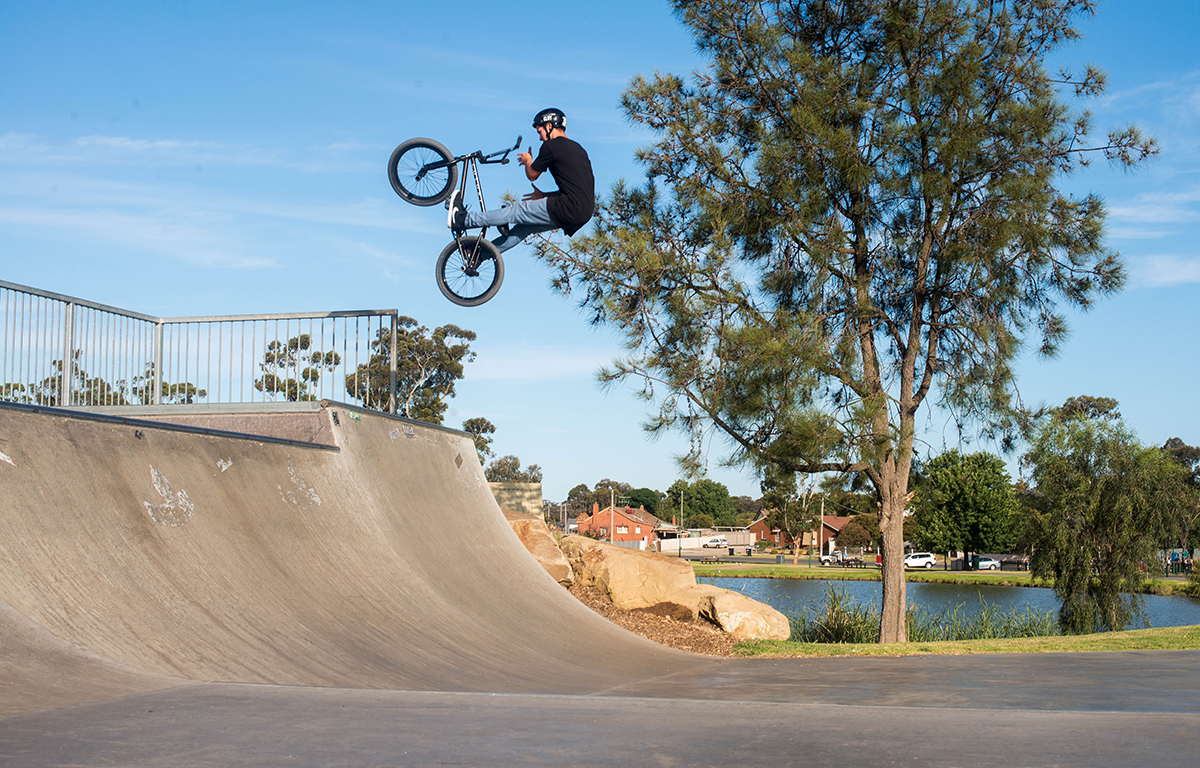 lukep-bars-fakie-btown--_LR