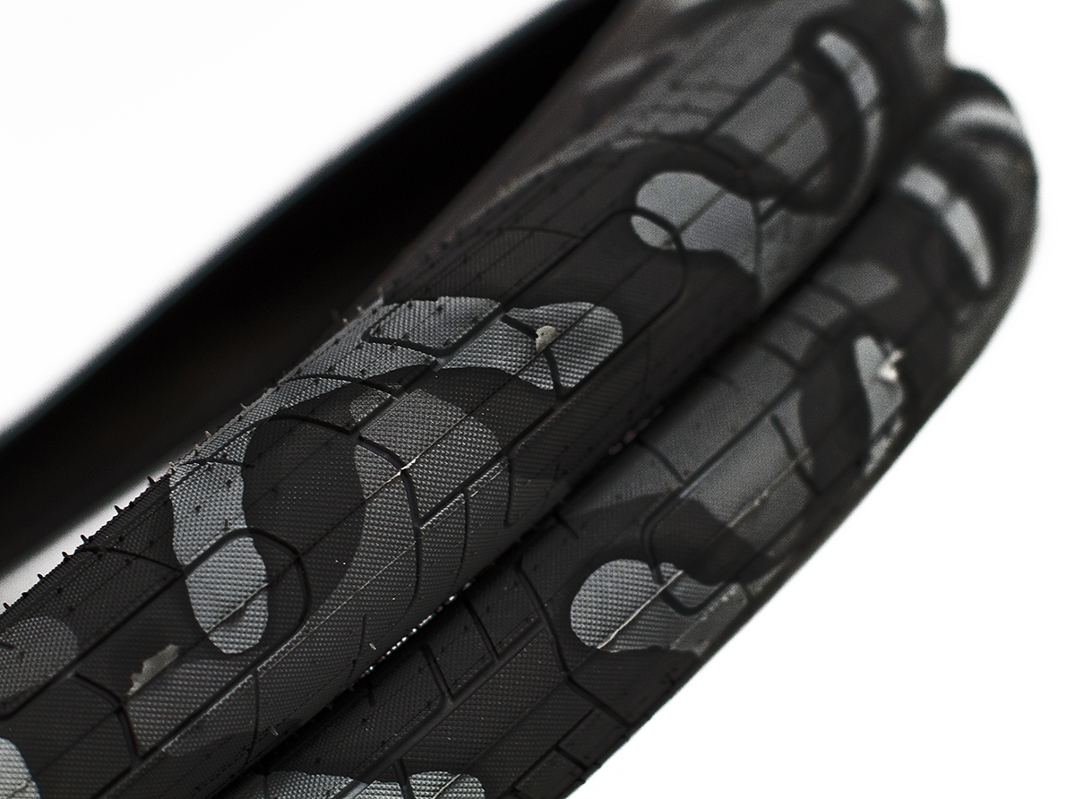 Colony BMX Griplock Tyre Grey Camo