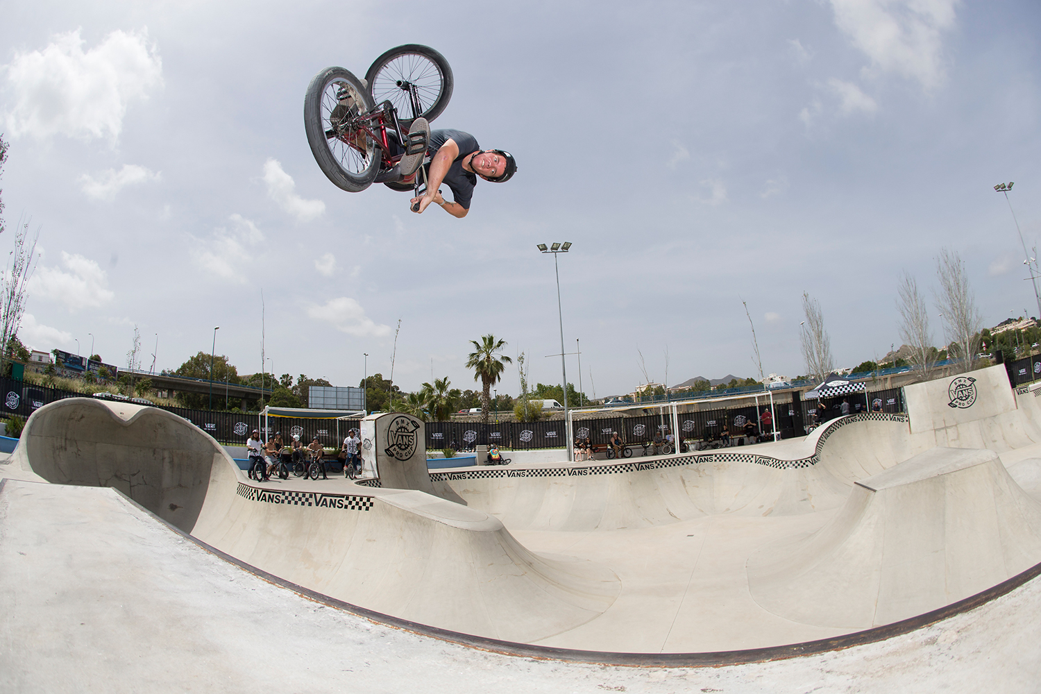 156077c50f ... now for the Vans BMX Pro Cup. Looking forward to seeing all the footage  in the coming days. Here are a few photos courtesy of Colin Mackay along  with a ...