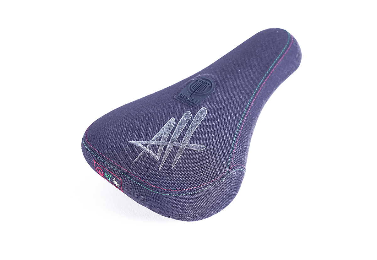 Alex Hiam Seat