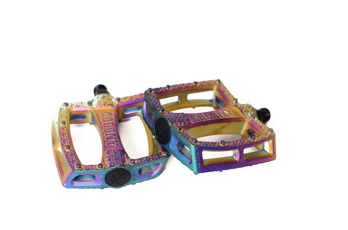 ColonyFantastic Plastic BMX Pedals Rainbow Oil Slick