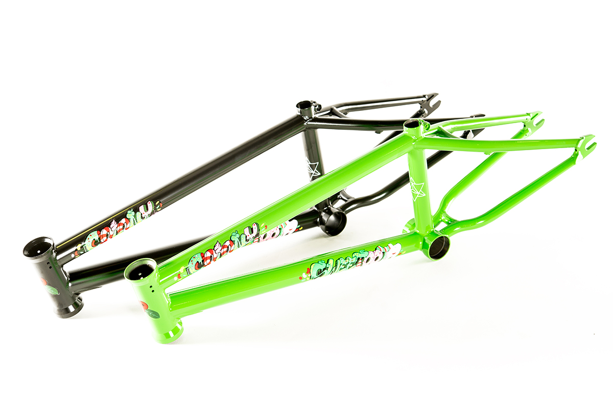 Sweet Tooth Frame 18″